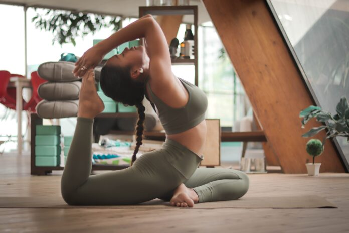 HOW DOES YOGA BENEFIT MENTAL HEALTH